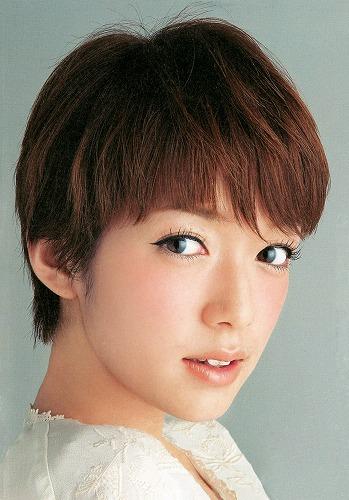 佐藤栞里ショートヘア画像