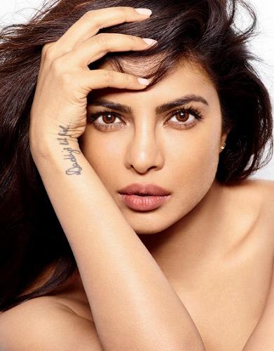 Priyanka Chopra (プリヤンカー・... 世界で最も美しい顔なりたい顔女性ランキン